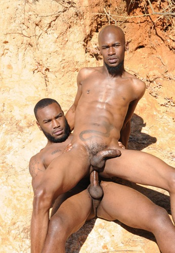 black-rod-&-phenix-screwing-their-asses-on-high-dunes